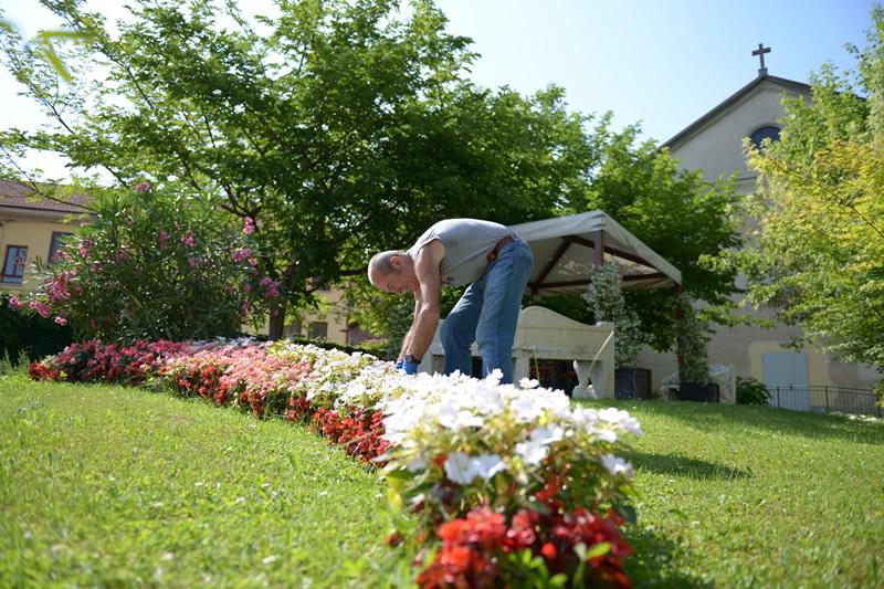 Cura del giardino a Villa Serena