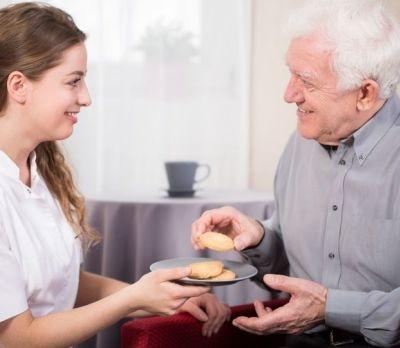 Colesterolo degli anziani: come tenerlo sotto controllo