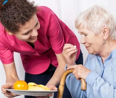 Cause e sintomi della malnutrizione negli anziani