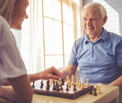 Passatempi per gli anziani: quali scegliere